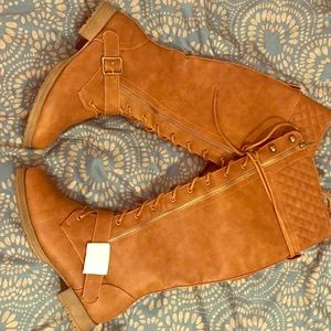 New! Size 7.5 Tan boots